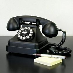 Grand Black Retro Telephone