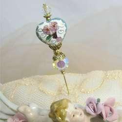 Splendid Heart Hat Pin