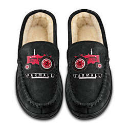 Farmall Pride Tractor Artwork Men's Moccasins