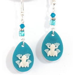 Tree Frog Drop Earrings