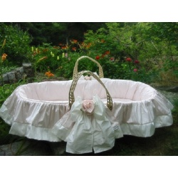 Roses Moses Basket