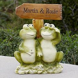 Frog Couple Personalized Welcome Sign