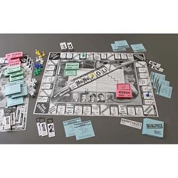 MoNoPOLi Science Board Game