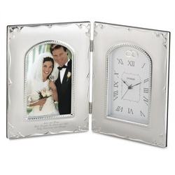 """4"""" x 6"""" Forever Yours Picture Frame and Clock"""