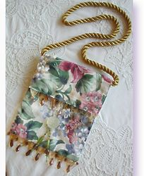 Glass Beaded Flower Purse