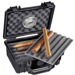 15 Count Travel Cigar Case and Lighter