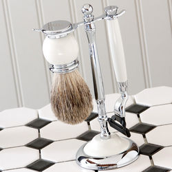 Personalized Traditional Shaving Set with Mach3 Razor