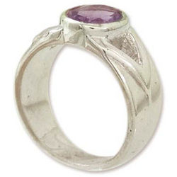 Gentle Kiss Amethyst Solitaire Ring