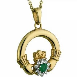 10 Carat Claddagh Pendant with Agate and Cubic Zirconia