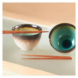 Kosui Bowls with Chopsticks