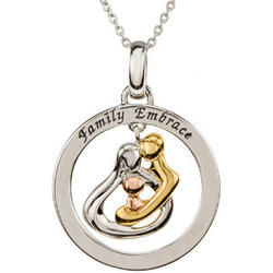 Embrace by the Heart ™ Family Circle Necklace