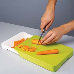 Cut and Collect Chopping Board