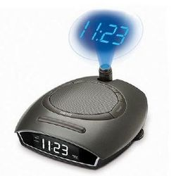 SoundSpa Auto-Set Clock Radio with Time Projection